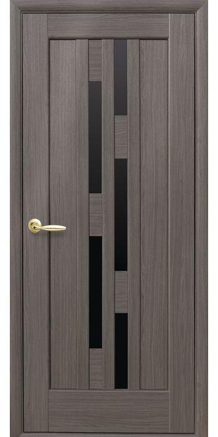 Межкомнатные двери Лаура с черным стеклом Лора