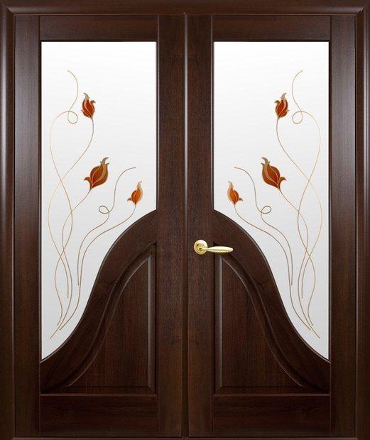 Двери двустворчатые Амата каштан делюкс со стеклом Р1 dveri-dvustvorchatye-amata-kashtan-deljuks-so-steklom-r1