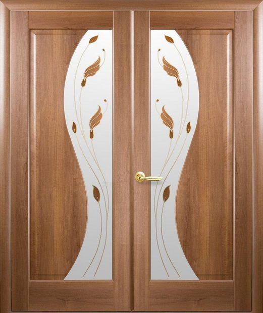 Двери двустворчатые Эскада золотая ольха делюкс со стеклом Р1 dveri-dvustvorchatye-jeskada-zolotaja-olha-deljuks-so-steklom-r1