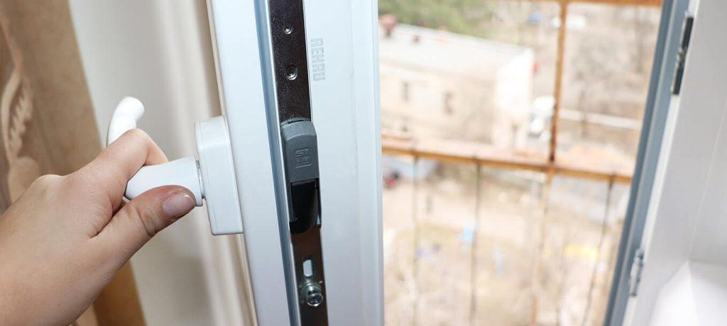 Металлопластиковые межкомнатные двери Rehau 60 мм Ecosol