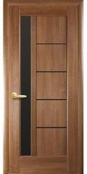 Межкомнатные двери Грета с черным стеклом, ПВХ DeLuxe Золотая ольха