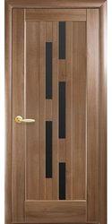 Межкомнатные двери Лаура с черным стеклом, ПВХ DeLuxe Золотая ольха